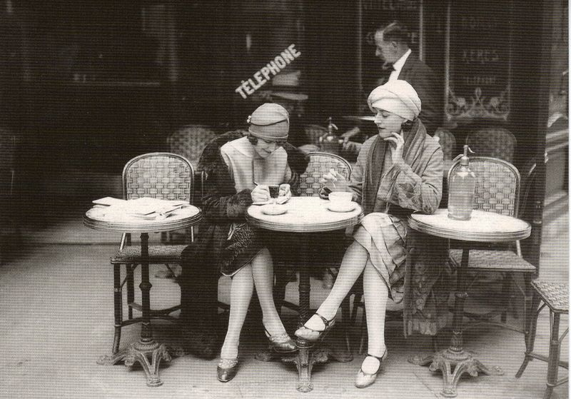 Paris flapper girls