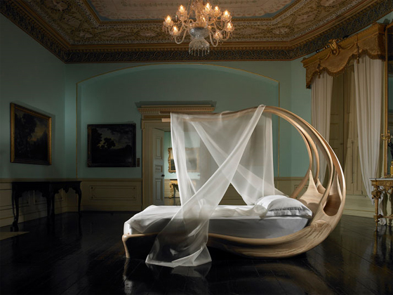Amazing-Canopy-Bed-by-Joseph-Walsh-1